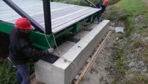 De geoptimaliseerde brug wordt geplaatst