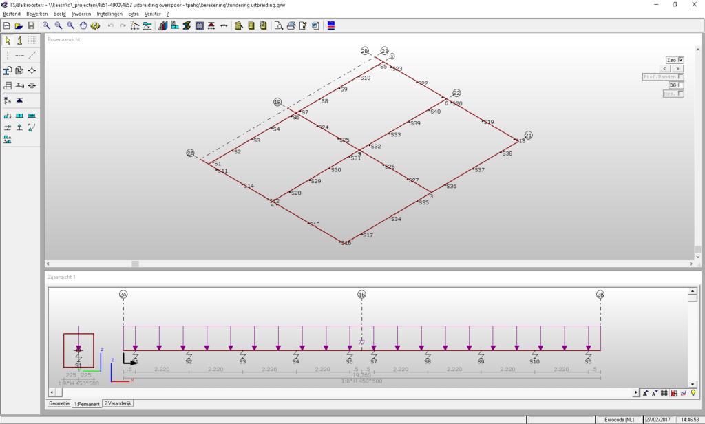 Senior constructeur werkt met Technosoft Raamwerk